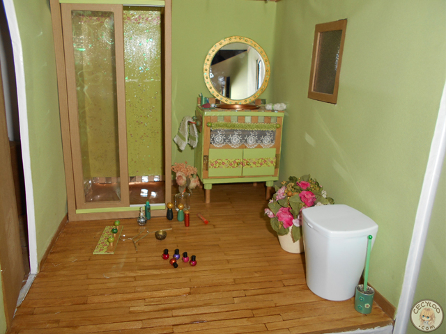 Dollhouse: The bathroom