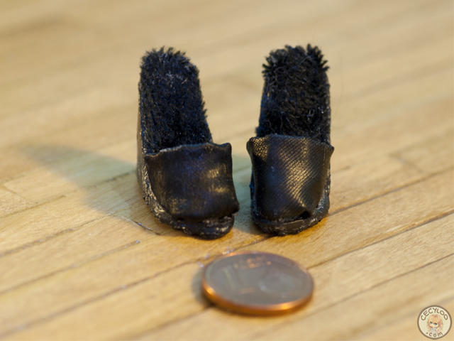 Miniatures : Doll shoes - Black mules