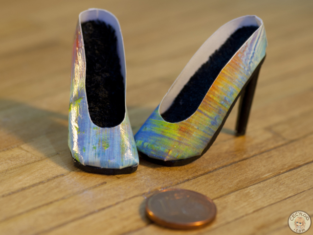 Miniatures : Doll shoes