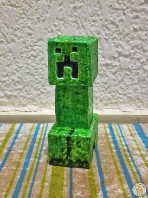 Miniatures : Figurines Minecraft (enderman + creeper)